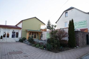2858 Császár, Kossuth Lajos utca 136.